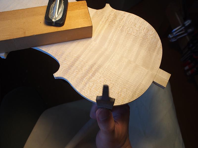 ヴァイオリン製作 裏板 側面
