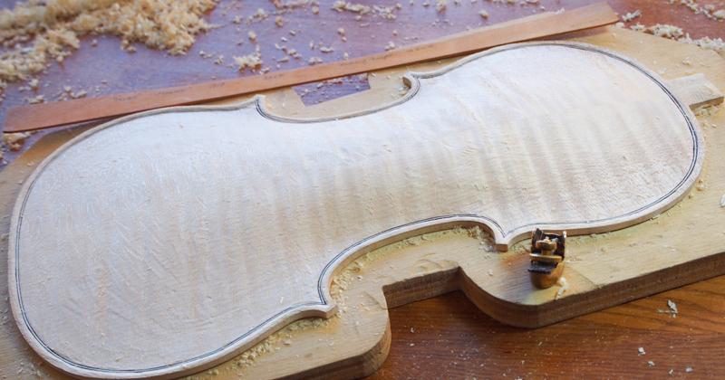 ヴァイオリン製作 アーチ