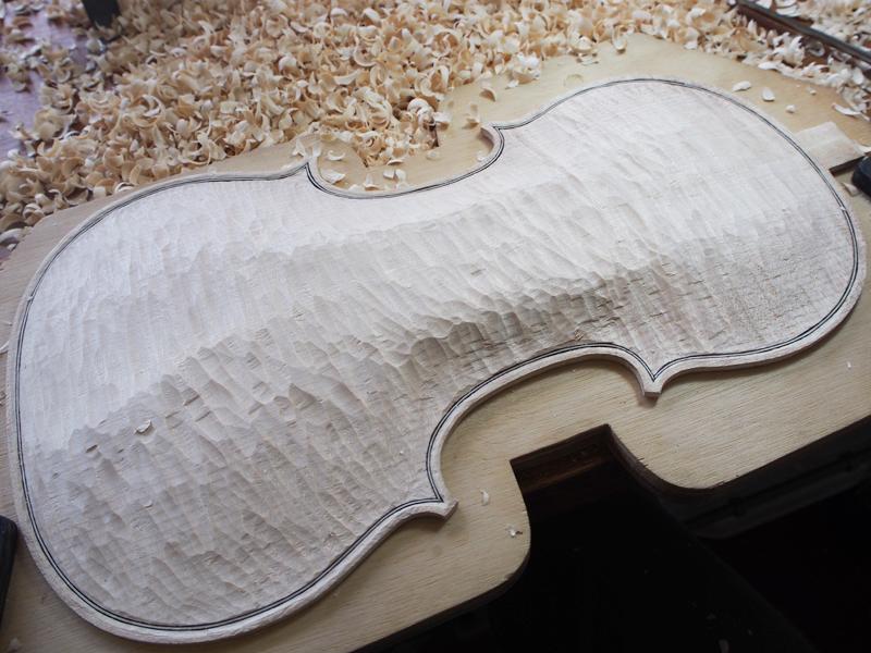 ヴァイオリン製作 アーチ ノミ