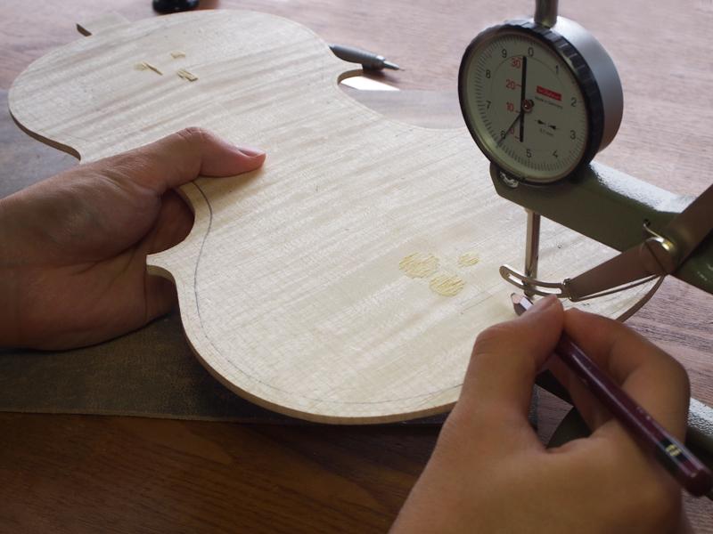 【ヴァイオリン製作】裏板の内側を掘る-前編