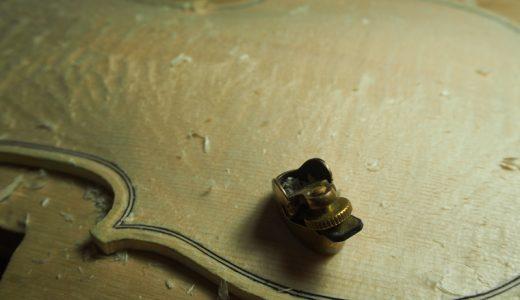 【ヴァイオリン製作】表板アーチの仕上げ/f字孔の位置決め