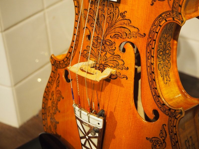ハーディングフェーレ 共鳴弦