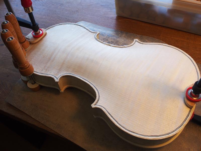 ヴァイオリン 表板 裏板 接着