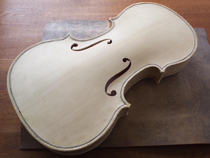 ヴァイオリン製作 表板 接着