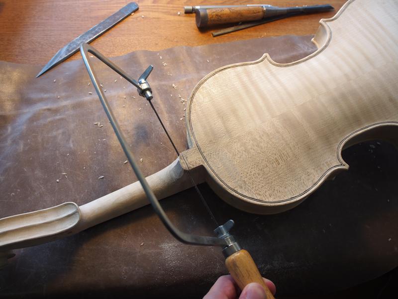 ヴァイオリン製作 ニス前 仕上げ