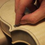 【ヴァイオリン製作】 ボタンと仕上げとクリーニング