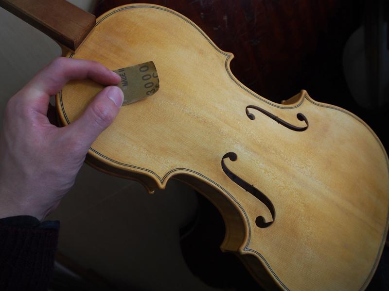ヴァイオリン オイルニス 紙ヤスリ