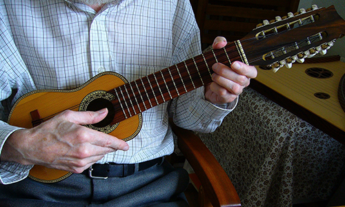民族楽器 チャランゴ