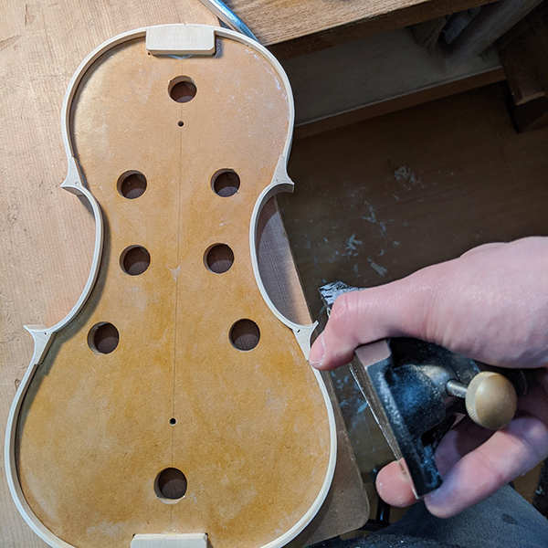 ヴァイオリン製作 横板 調整