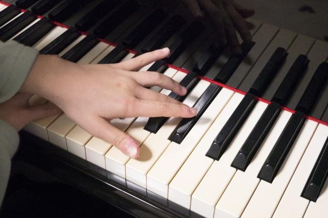 ピアノジストニア
